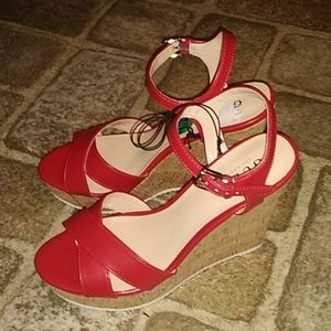 Guess Wedges😍